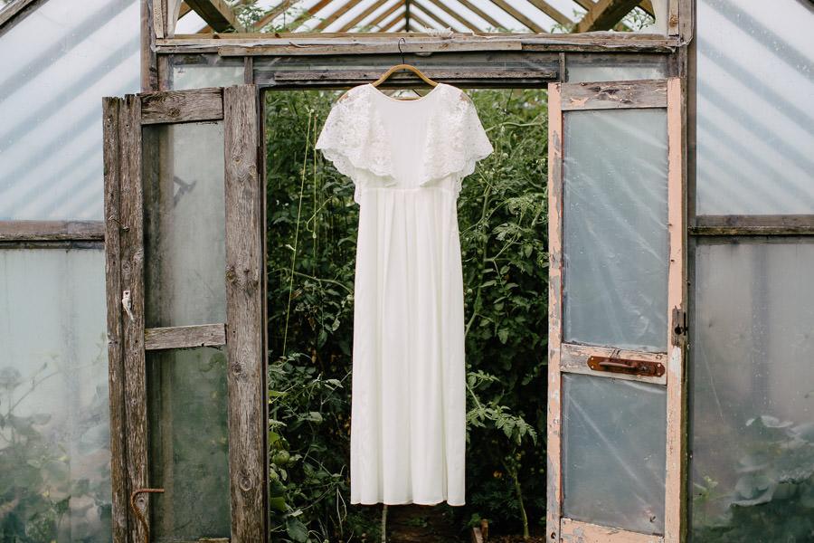 skaista kazu kleita