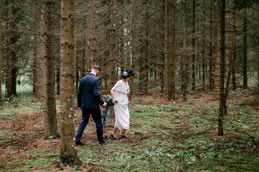 kāzas mežā