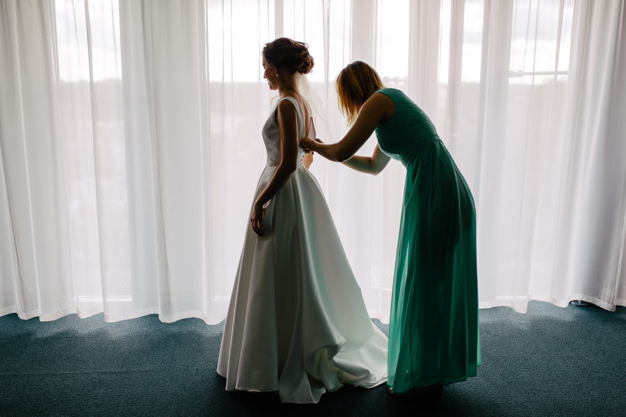 ligavas kleita kāzas