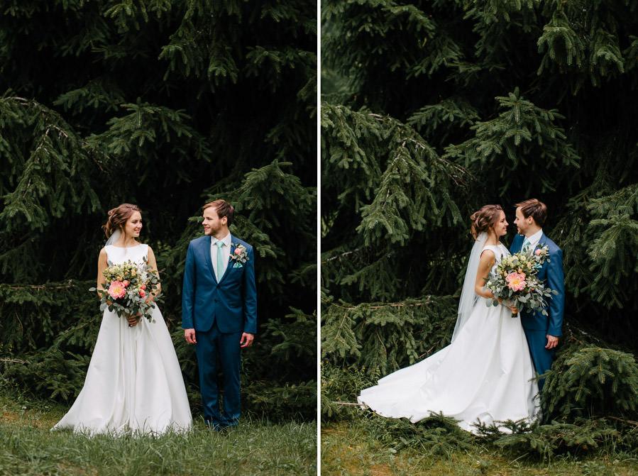 kāzu fotosesija mežā egles