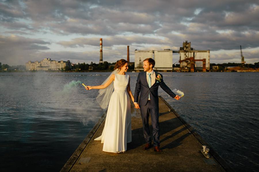 kāzas ostas skati dūmu sveces