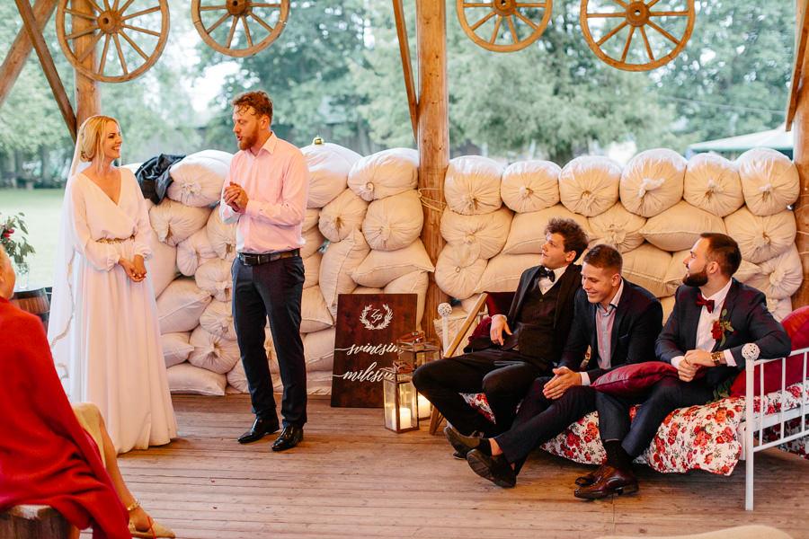 improvizācijas teātris kāzas