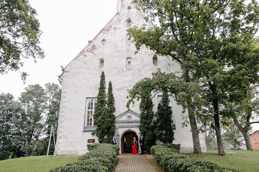 matīšu svētā mateja baznīca