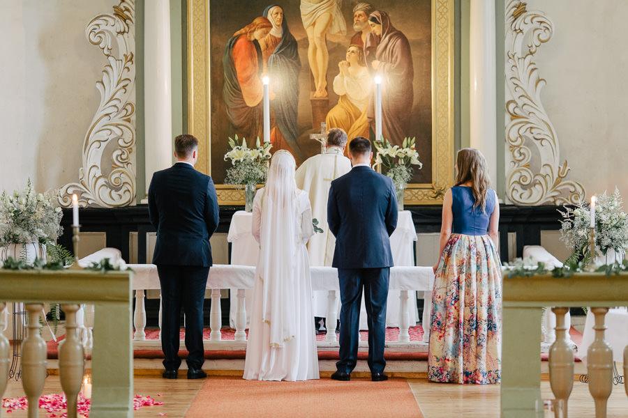 kāzas burtniekos