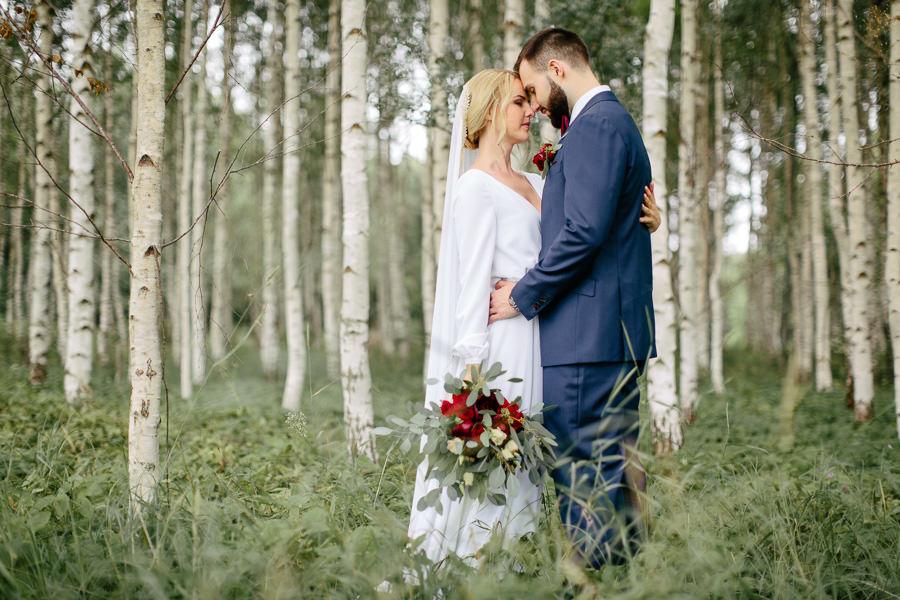 zaļi kāzu toņi